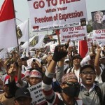 Thousands protest in Indonesia over anti-Islam film